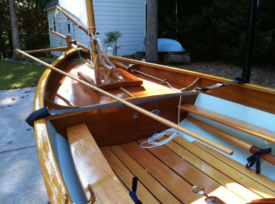 The rudder is controlled by a push-pull tiller that isn't obstructed by the mizzen mast and easily shifts position along with the helmsman when tacking.