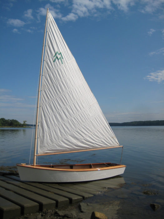 The simple rig is well suited to first-time sailors.