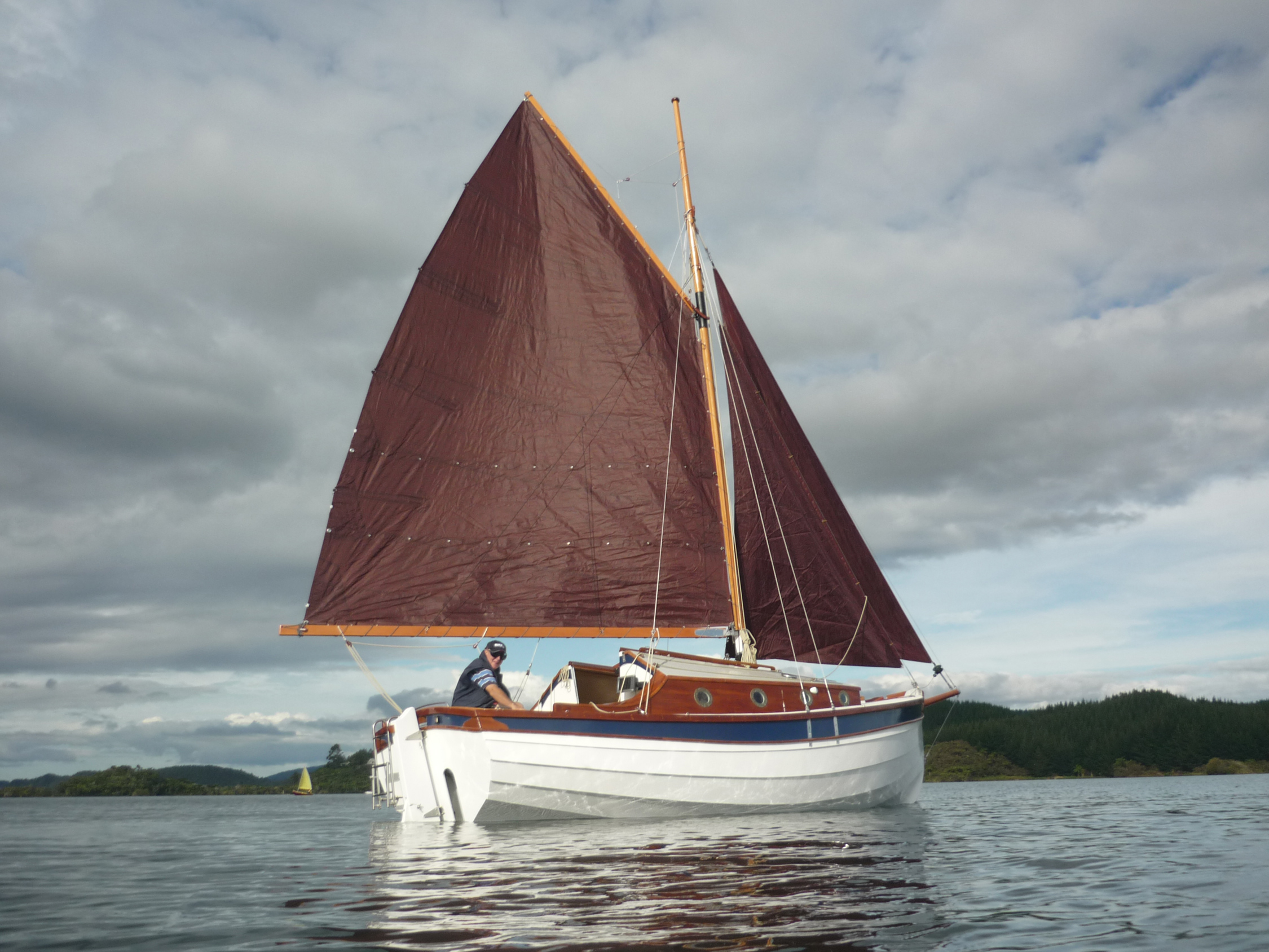 WHIO, a Welsford pocket cruiser - Small Boats Monthly