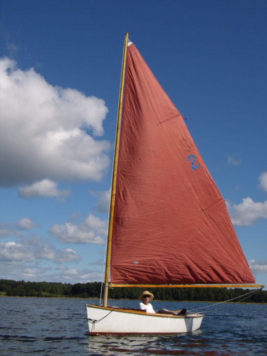 With its 90-sq-ft sail the MerryMac can make way in a whisper of a breeze.
