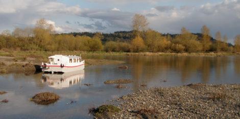 The Escargot canal cruiser