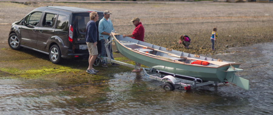 The light weight of the sailZO makes launching an retrieval easy, even when it can't be floated off and on the trailer.