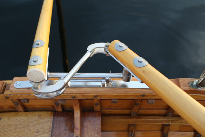 The pivots under each oar cradle have self-lubricating silicon bronze pins and HDPE washers for smooth, corrosion-free action.