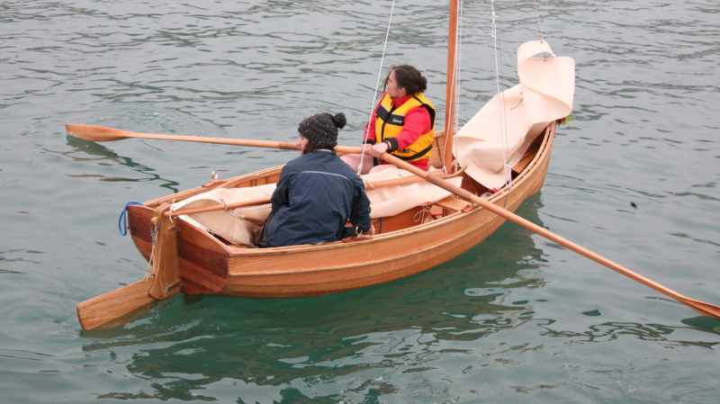 The Guillemot has two rowing stations, spaced about 3' apart—close, but not impossible quarters, for rowing tandem. Two stations come in handy for single rower managing wind and passengers.