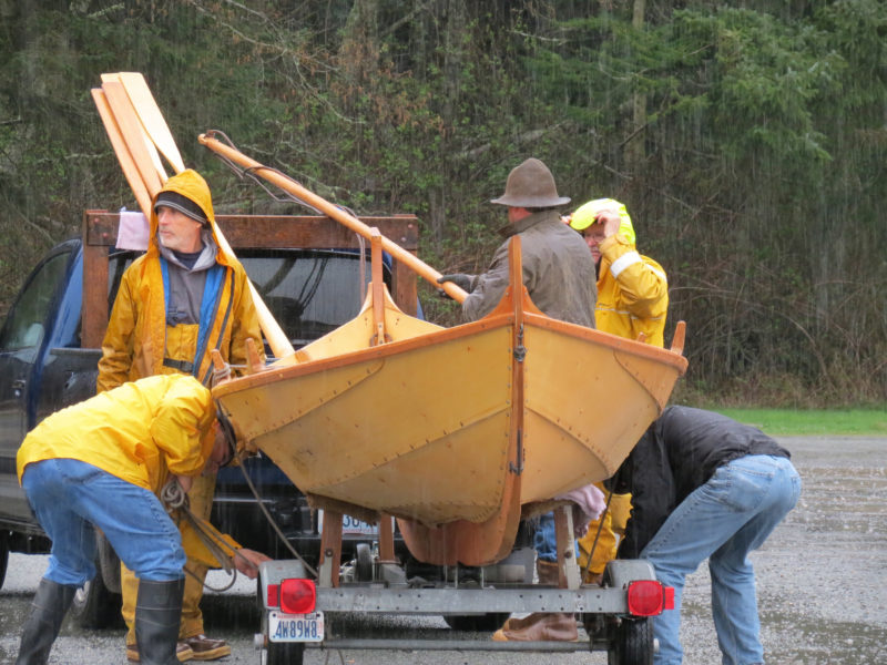On launch day the Friday Guild and compatriots raised the TJÆLD off its trailer and carried her to the shoreline.