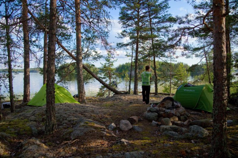 This tiny island located in the Pyy Waterway was a ideal for camping with its unobstructed views all around, clear, flat ground for tents, and absence of mosquitos.