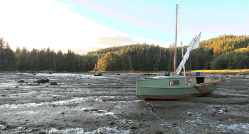 We let the boat drying out in Potts Lagoon and were surprised to see the receding water reveal a bear paw's print just beside the boat. The boat's flat bottom made it easy to take the bottom and wait aboard the boat for the next tide.