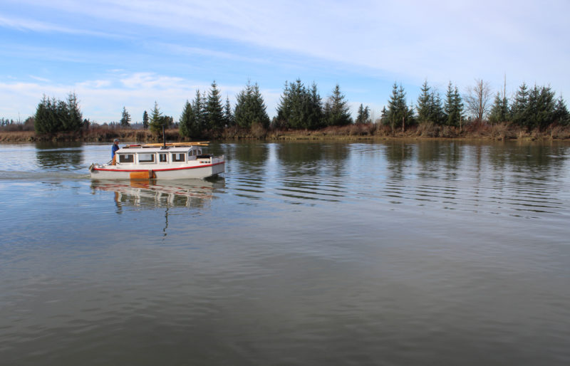 On the afternoon of my last day I had Steamboat Slough to myself. The water had been so till that I regretted making a mess of it by getting underway.