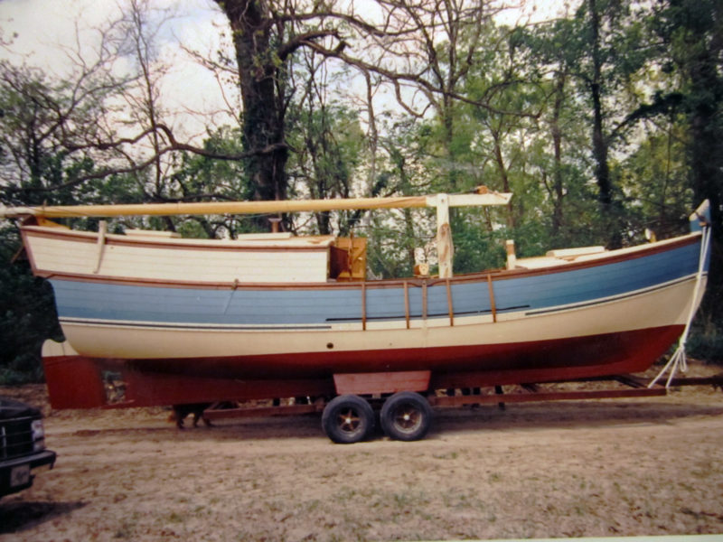 The 31' MERRY SAVAGE II is a boat Dad designed and built. In 1991, he took me with him for a trip down the Mississippi River on this boat in about 1991. Dad pulled the bilge keels off later.