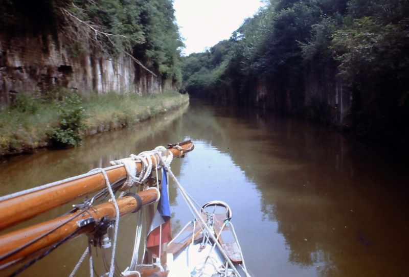With the rig down, LEGOLAS motors north along France's Canal de l'Est, bound for home in the Netherlands. 1987