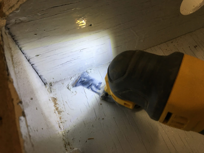 The built-in light comes in handy for working in tight, poorly lit spaces.
